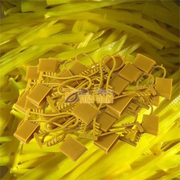 1kg Túi lưới nhựa màu vàng dài 25cm kèm khóa