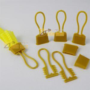 1kg Túi lưới nhựa màu vàng dài 40cm kèm khóa