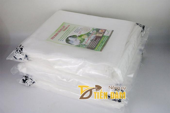 Túi màu trắng cho trái dễ dàng quang hợp, không gây biến đổi sắc tố hoặc biến dạng trái