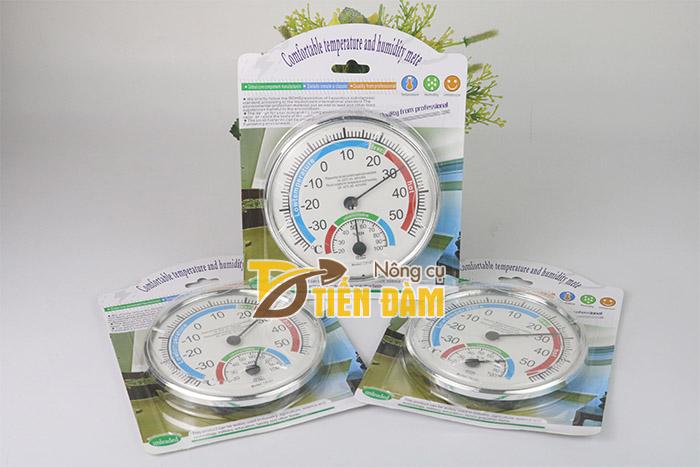 Đồng hồ đo nhiệt độ phòng giúp người dùng điều chỉnh nhiệt độ và độ ẩm thích hợp