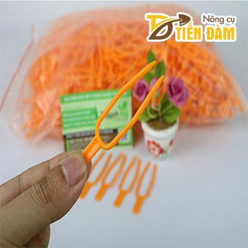 Ghim ki hoa lan bằng nhựa – gói 50g - VTK16